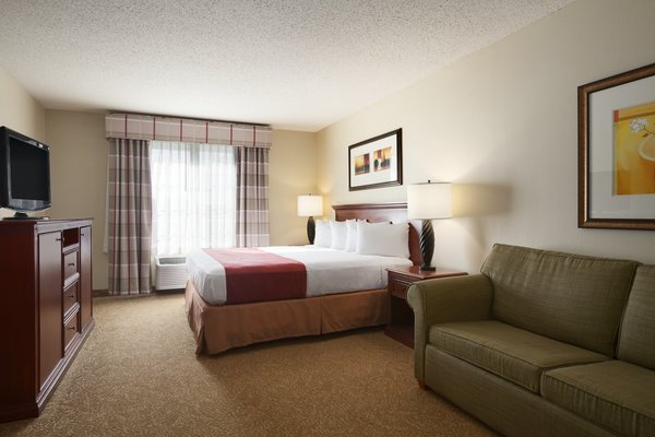 Country Inn & Suites - Bismarck