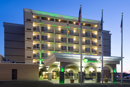 Holiday Inn - Riverside Minot